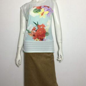Áo-kiểu-thun-nữ-hiệu-Calvin-Klein-không-tay-cổ-thuyền-màu-xanh-có-họa-tiết-hoa-size-S-chính-hãng