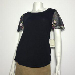 Áo-kiểu-thun-nữ-hiệu-Willow-cổ-tròn-tay-ngắn-2-lớp-thêu-ren-có-họa-tiết-hoa-size-M-chính-hãng