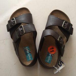 Dép-sandal-bé-trai-hiệu-Scott-david-màu-nâu-đất-size-US-11-chính-hãng