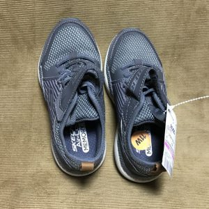 Giày-thể-thao-bé-trai-hiệu-Skechers-màu-xám-size-US-11-chính-hãng