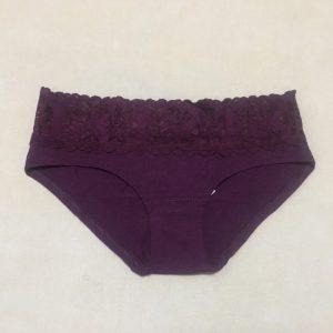 Quần-lót-nữ-Victorias-Secret-nguyên-mông-cotton-lưng-ren-size-S-màu-tím-chính-hãng-trước