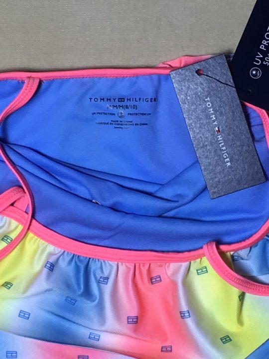 Bộ-đồ-bơi-2-mảnh-bé-gái-hiệu-Tommy-size-M-chính-hãng-cổ