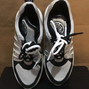 Giày-thể-thao-nữ-hiệu-DKNY-màu-trắng-bạc-size-US-7.5-chính-hãng