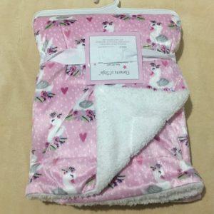 Chăn-khăn-mềm-em-bé-màu-hồng-siêu-đẹp-mềm-mại-hiệu-Elements-of-Style-chính-hãng-hàng-xách-tay-mỹ
