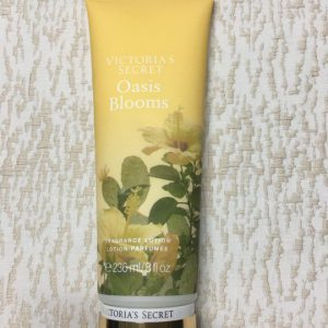 Duong-the-Victorias-Secret-Oasis-Blooms-236ml-hang-xach-tay-my